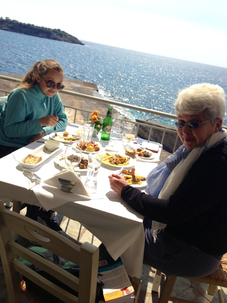 Lunch at Harilaos by the harbor